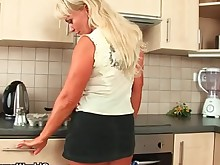 blonde curvy facials fuck hot housewife mammy mature milf