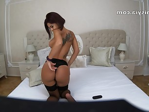 amateur ass babe big-tits boobs brunette bus busty fetish